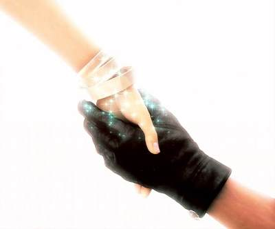 Aerith et Cloud main dans la main