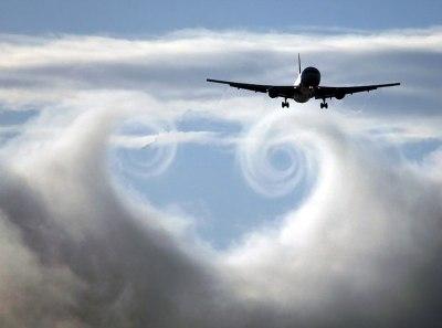 Nuages coeur avion
