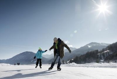 Père patine enfant