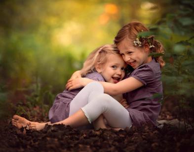 Rire deux soeurs