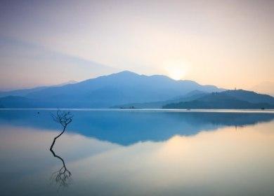 Favim.com-sun-moon-lake-taiwan-nantou-sunrise-472514