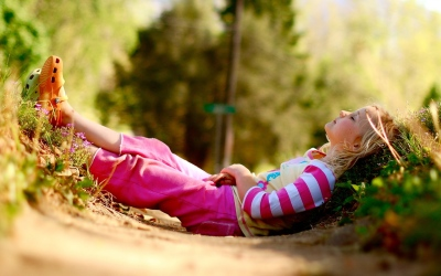 Jeune fille méditation