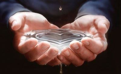 mains-eau-coeur-2